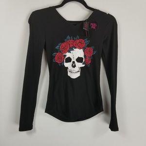 NWT No boundaries longsleeve top XS skull/rose